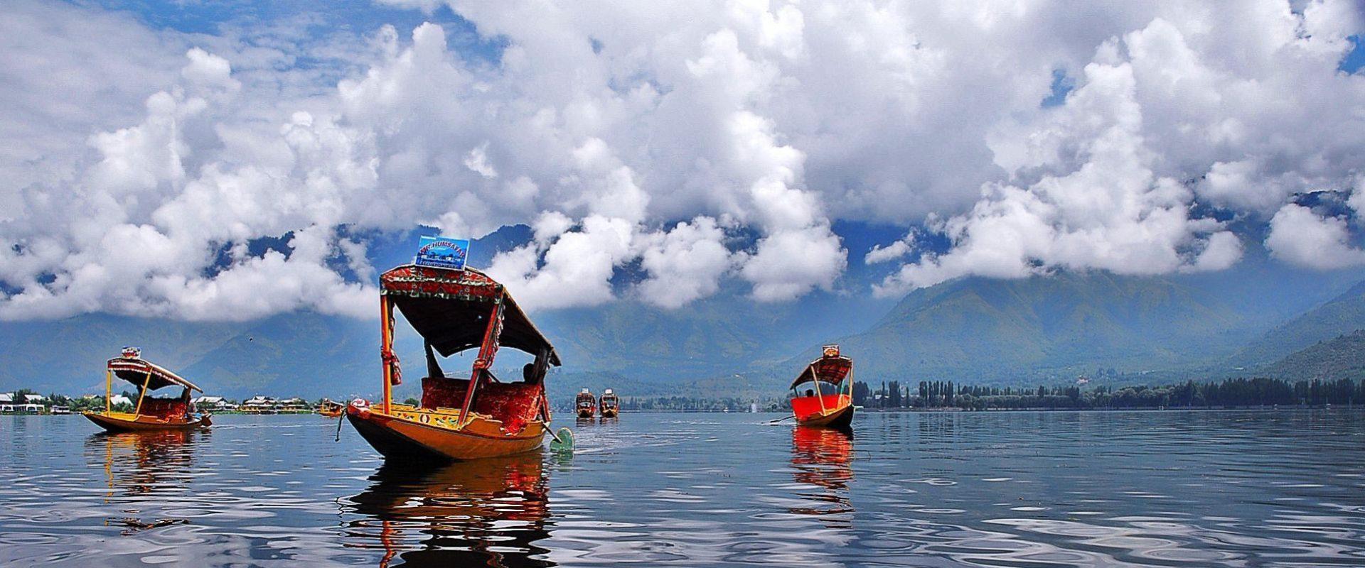Best Travel Agency in Srinagar, Kashmir | Travel Agents in Kashmir | Kashmir Tour Packages | Holidays Hunt Travel